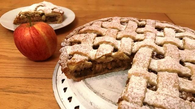 Mriežkovaný jablkový koláč